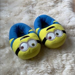 Minions slippers, size 11-12 little boy